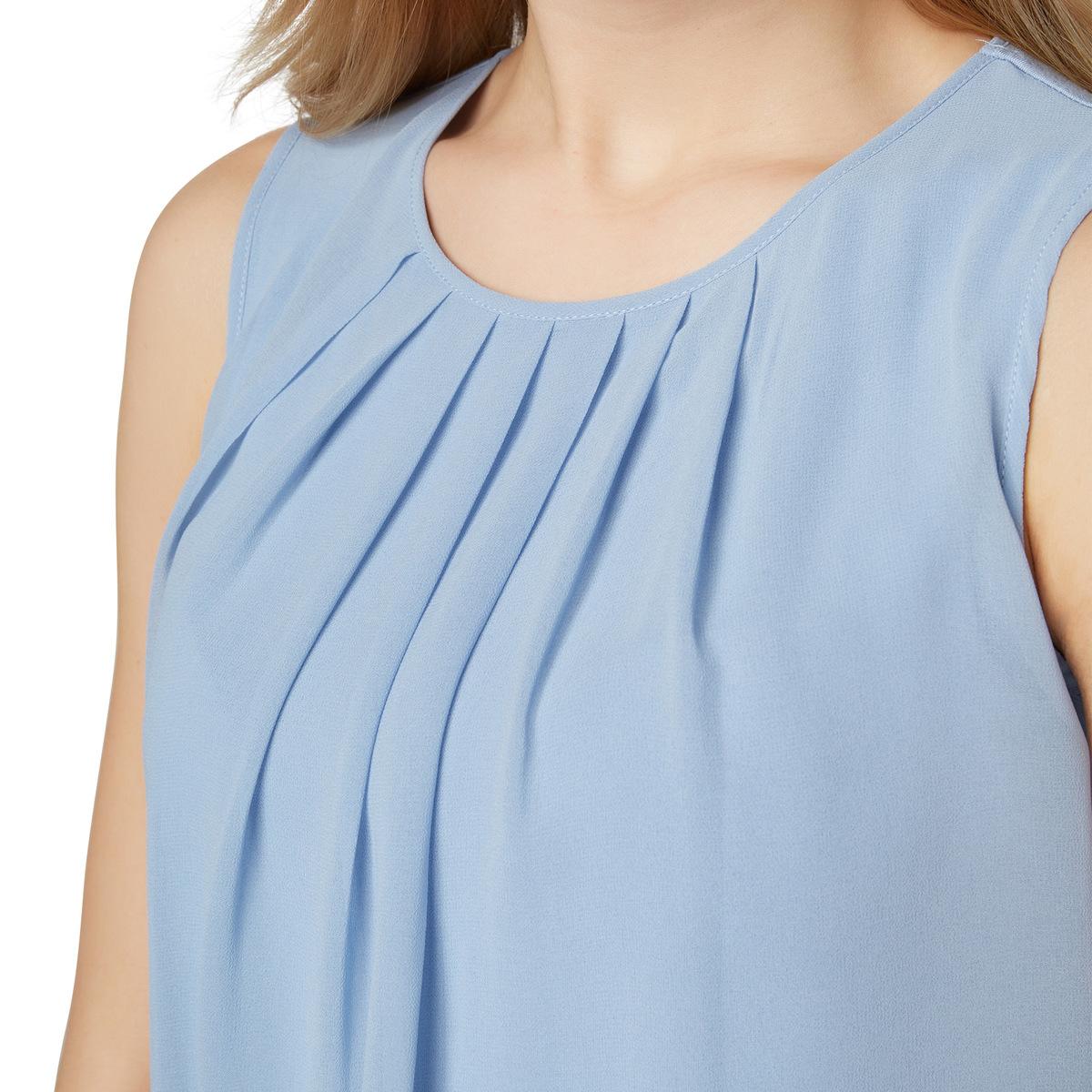 Top aus eleganter Crêpe-Qualität in lily blue