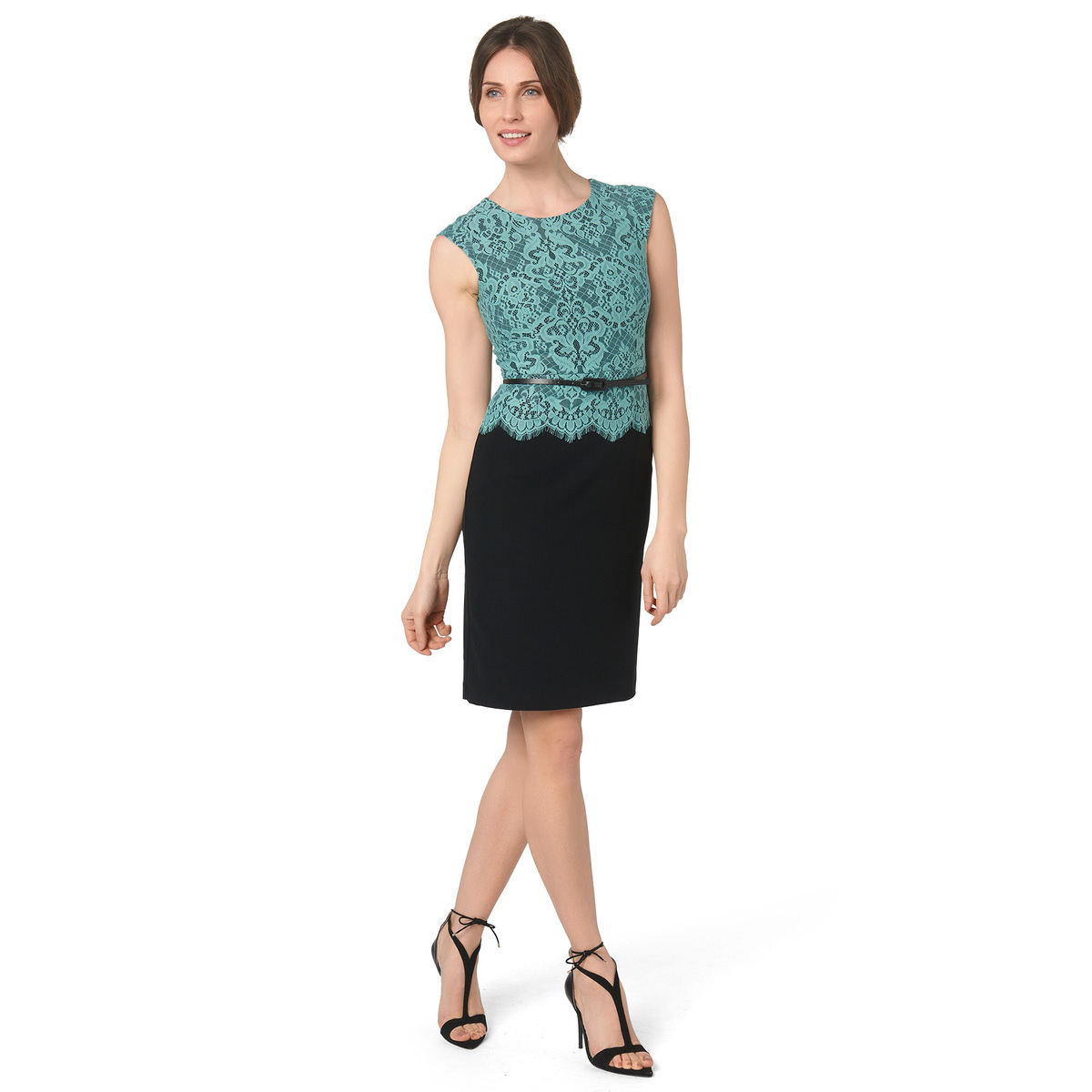 Kleid mit floraler Spitze in black