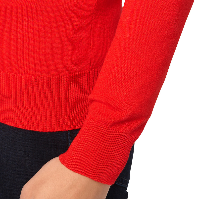 Pullover aus Feinstrick in red