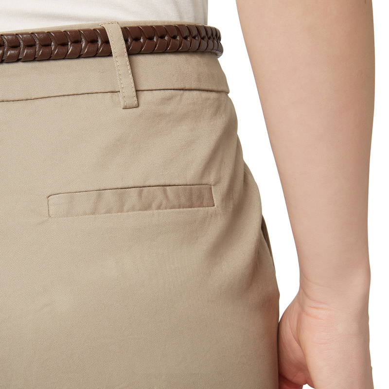 Hose mit Flechtgürtel in beige
