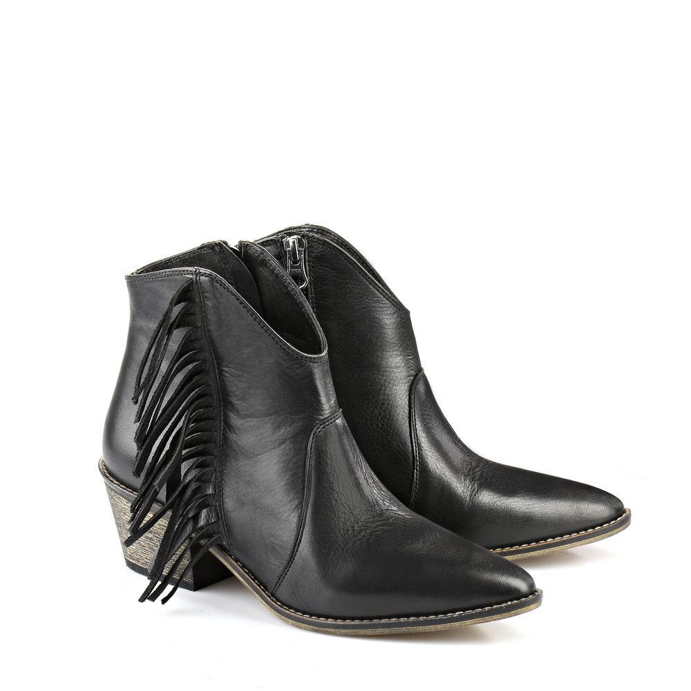 Buffalo Western-Stiefelette in schwarz