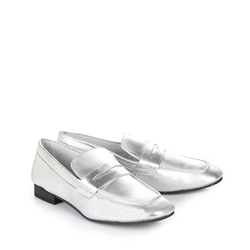 Buffalo Loafer in silber in Metallic-Optik