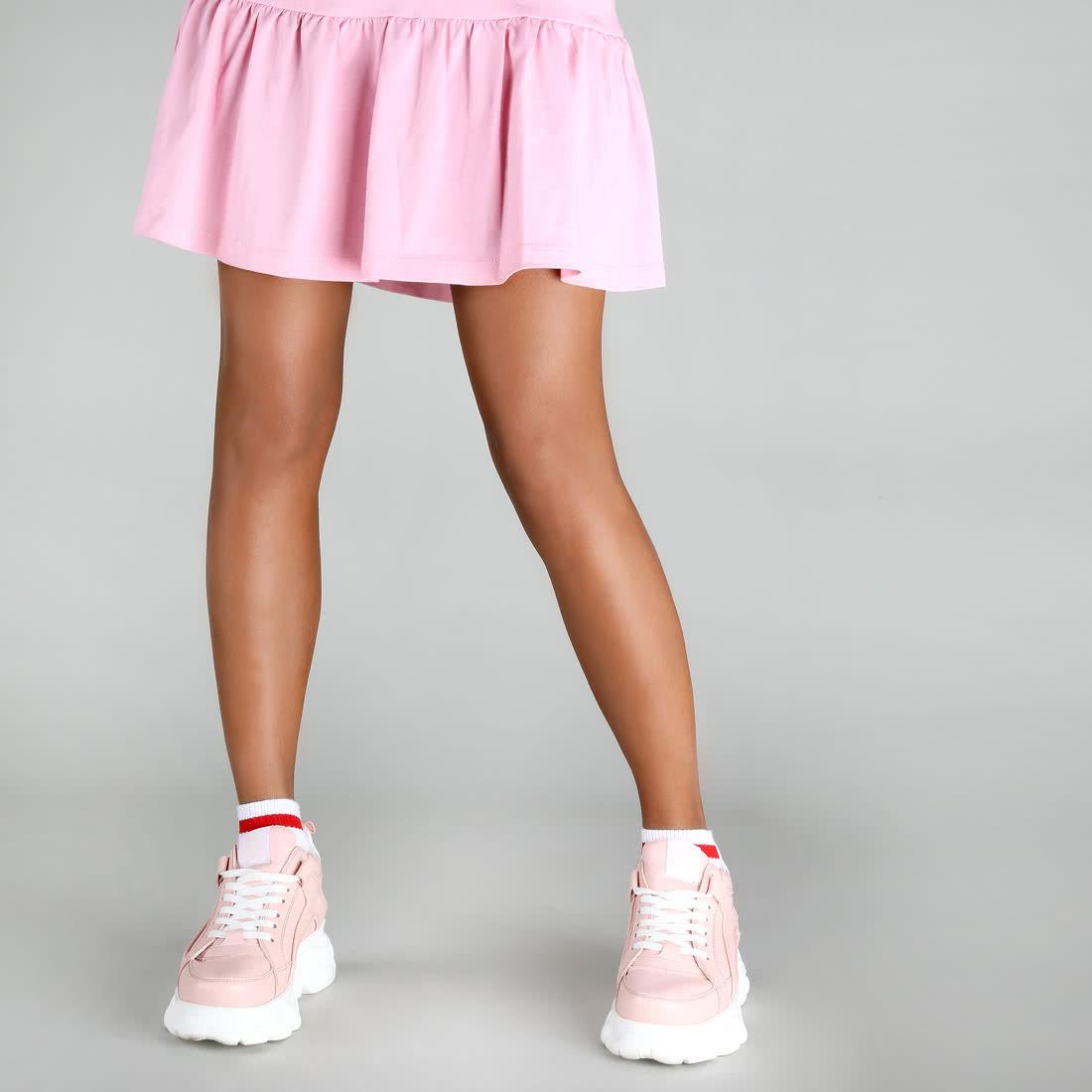 Outfit with pink sneakers | Pink sneakers, Pink sneakers