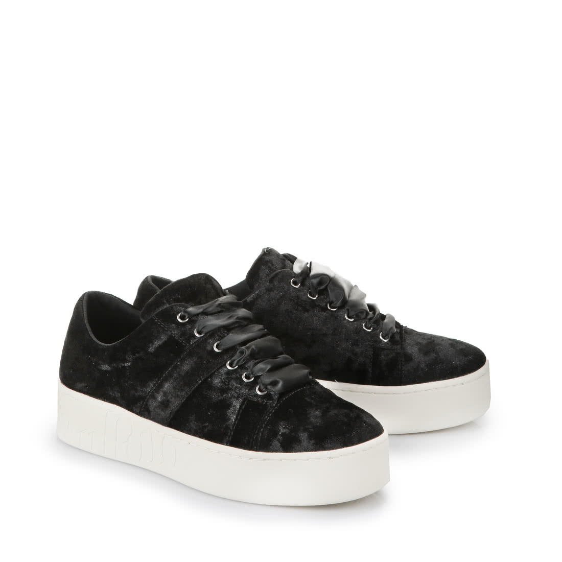 san francisco eccb7 855eb Buffalo Plateau-Sneaker in schwarz aus Samt online kaufen ...