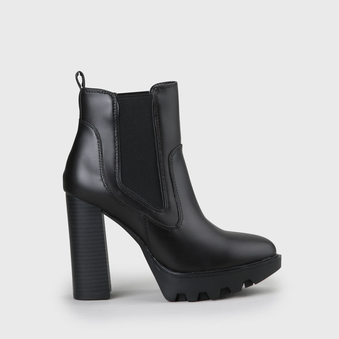 dfc6f0612cc Felina Chelsea Boot faux leather black