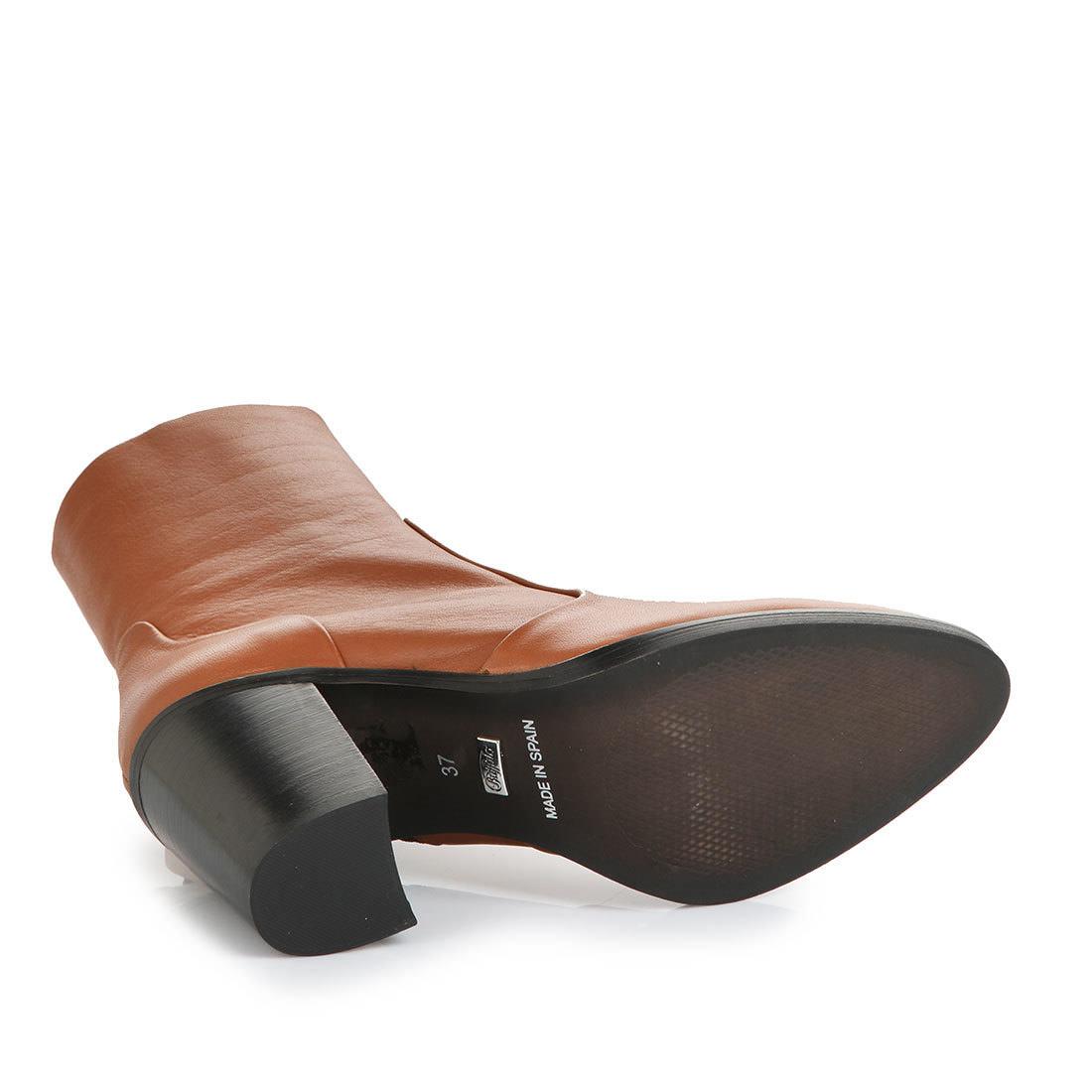 huge selection of bdb38 e3632 Buffalo slim-leg ankle boots in cognac buy online in BUFFALO ...