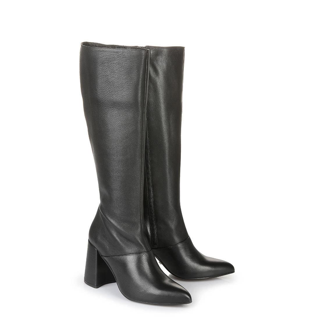 Buffalo Stiefel in schwarz mit Blockabsatz online kaufen
