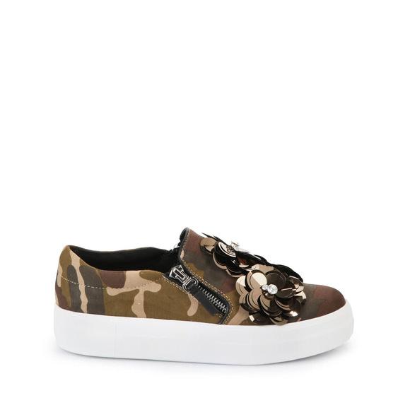 Slip On in camouflage mit dekorativen Blüten Buffalo Kaufen Online-Verkauf Klassische Online-Verkauf Spielraum Wiki Billig Günstig Online hy4p8Wk15a
