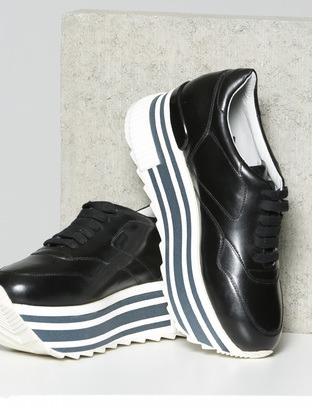 Schuhe um 39 90
