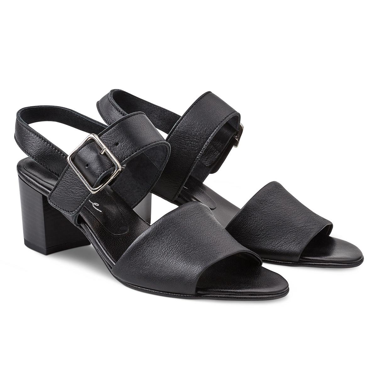 Feminine Sandale auf Blockabsatz Schwarz