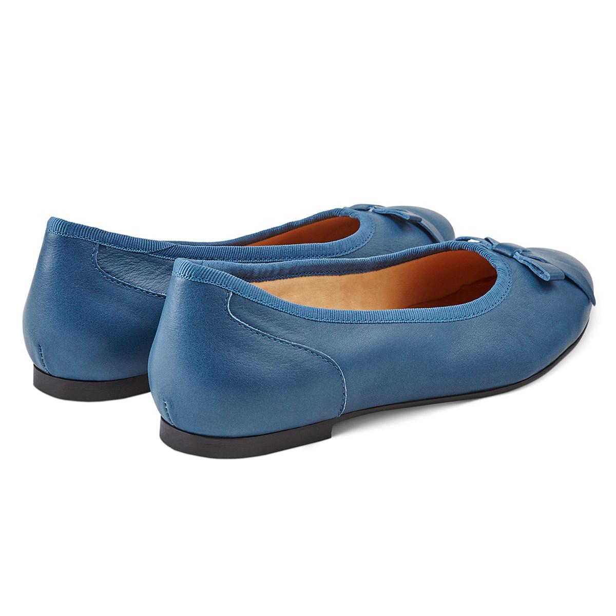 Ballerina mit Schleife Blau