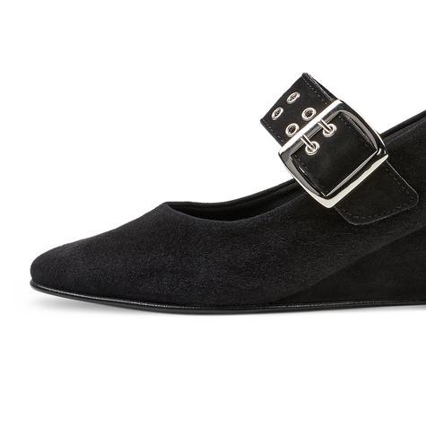 Black Boots Pinterest