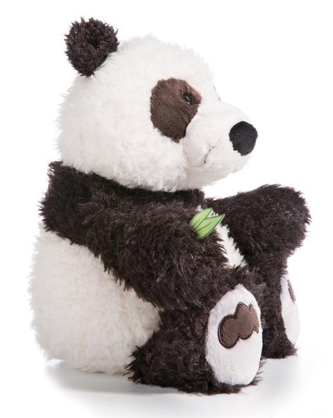 Kuscheltier Panda Yaa Boo mit Bambusblatt in der Pfote