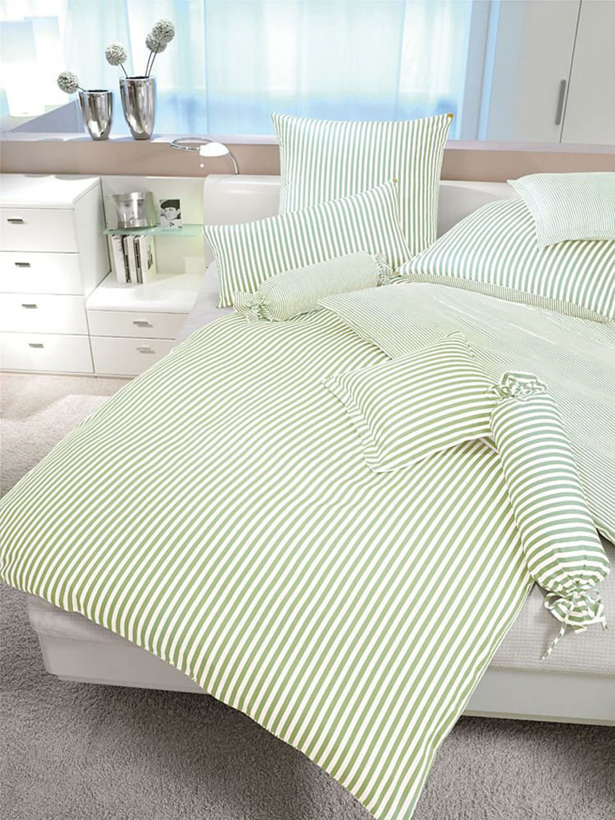 janine mako seidensatin bettw sche online entdecken schaffrath ihr m belhaus. Black Bedroom Furniture Sets. Home Design Ideas