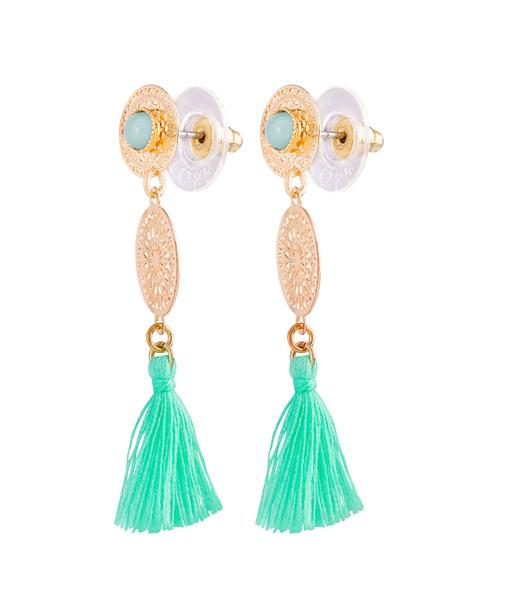 Ohrring mit runden Ornamenten und Quasten