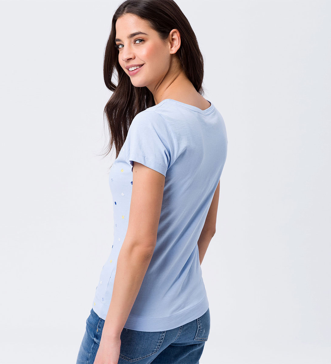T-Shirt mit Blümchenstickerei in horizon blue
