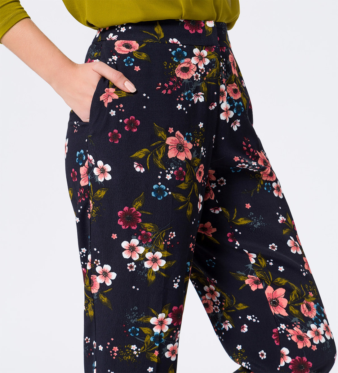 Hose im floralen Design in blue black