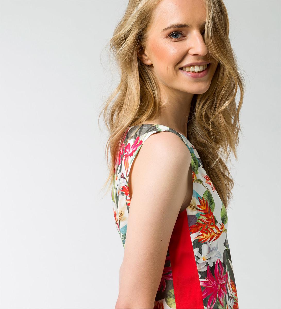 Kleid mit Reißverschluss in offwhite