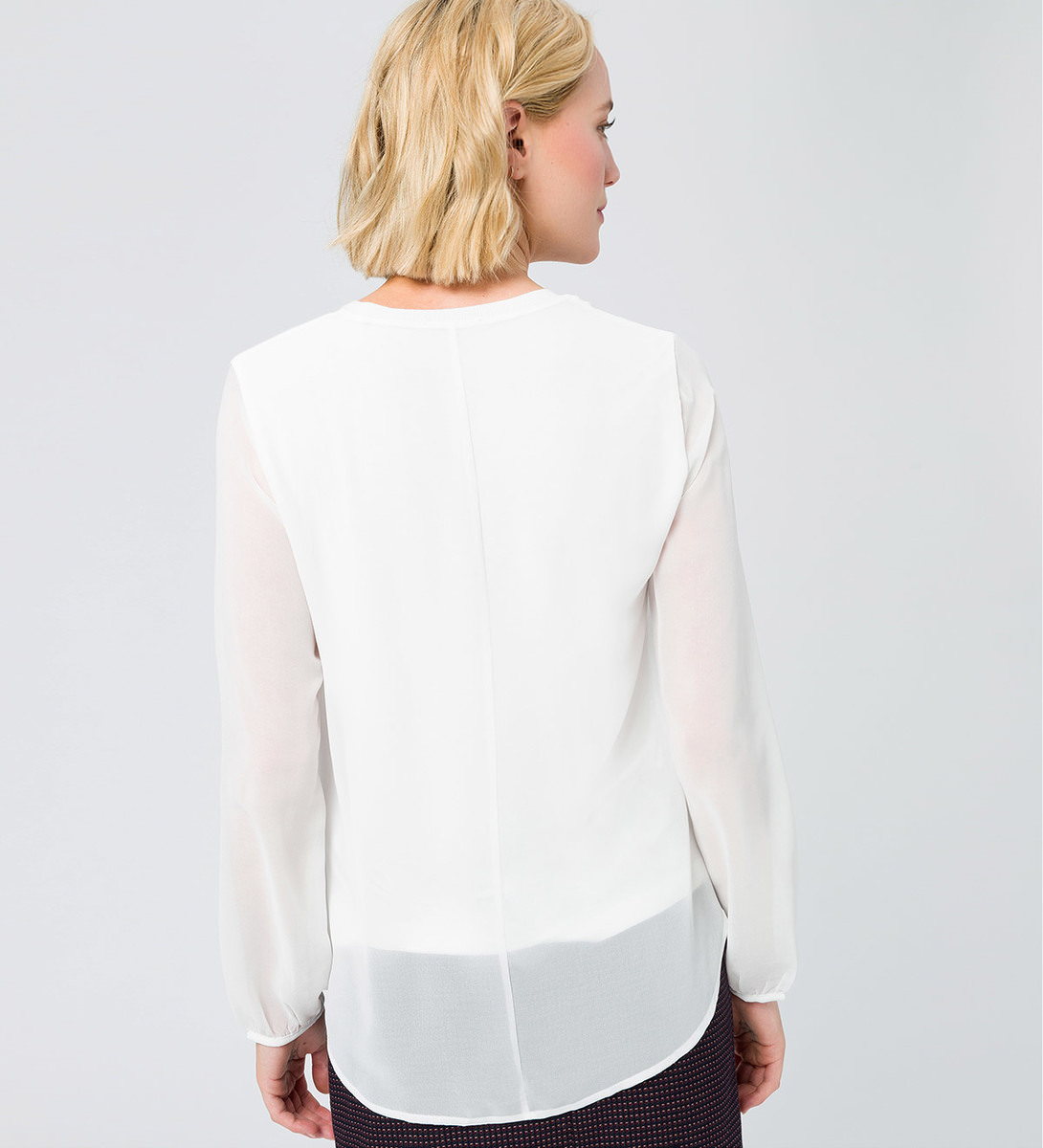 Bluse im Layering-Look in offwhite