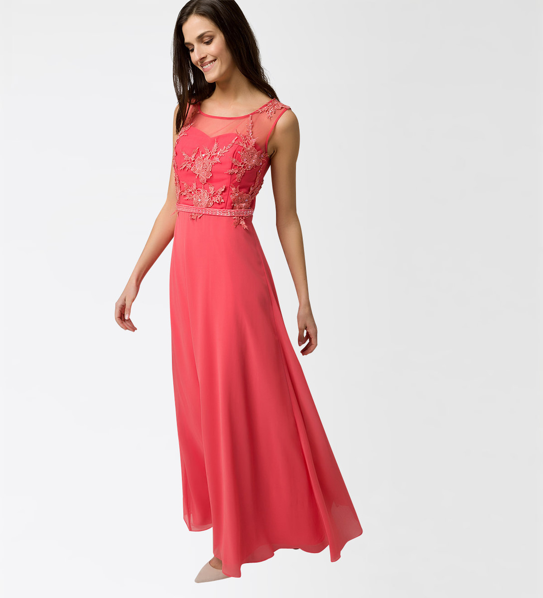 Kleid mit Applikationen in soft melon