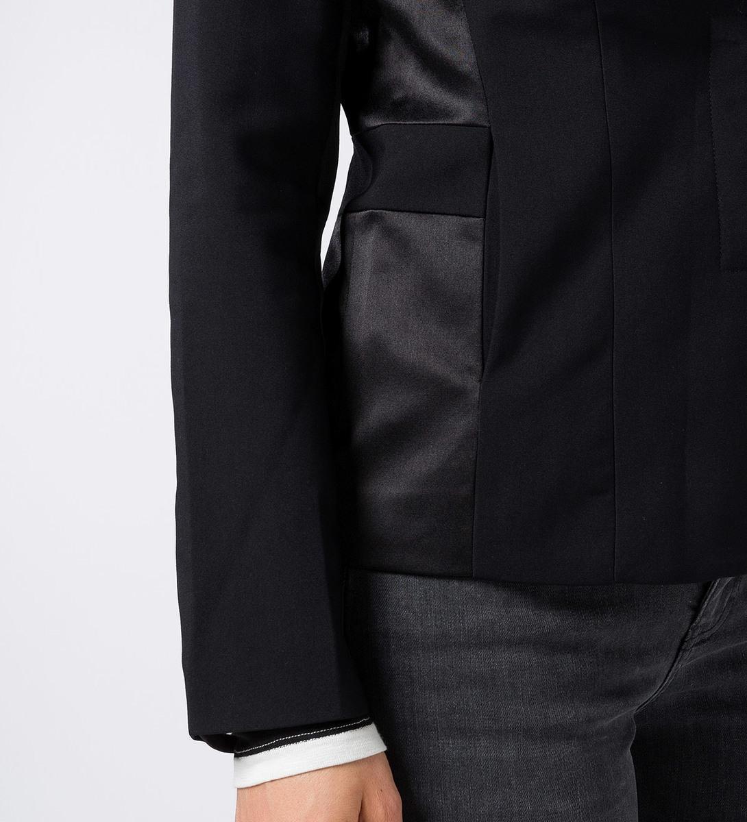 Blazer mit Satineinsätzen in black