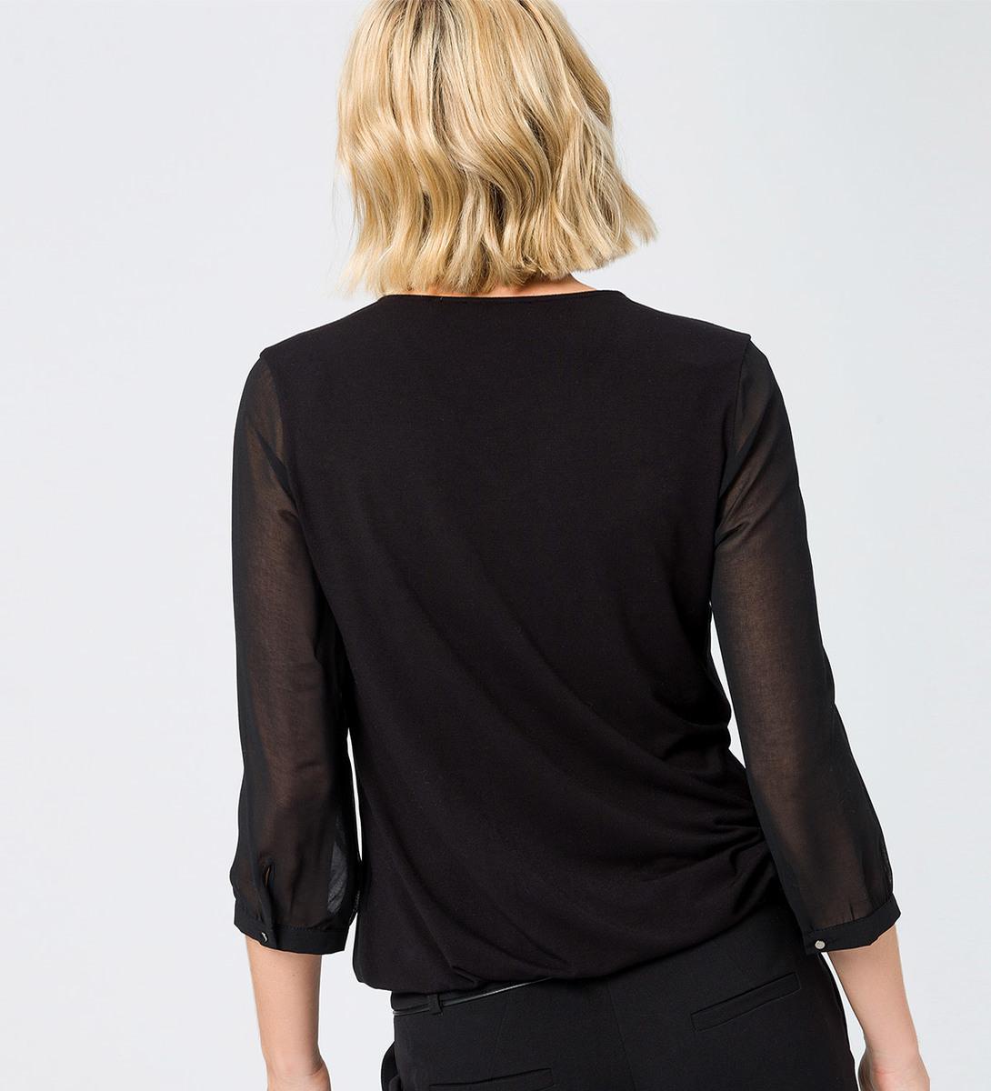 Bluse mit Zierdekor am Ausschnitt in black