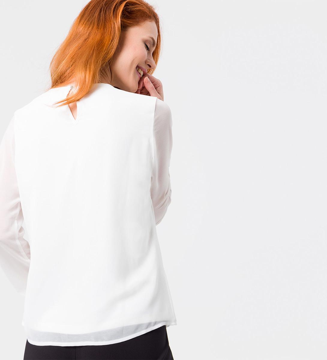 Bluse mit Schmuckdekor in offwhite