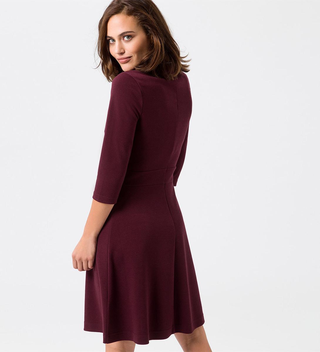 Kleid mit Rollkragen in grape red