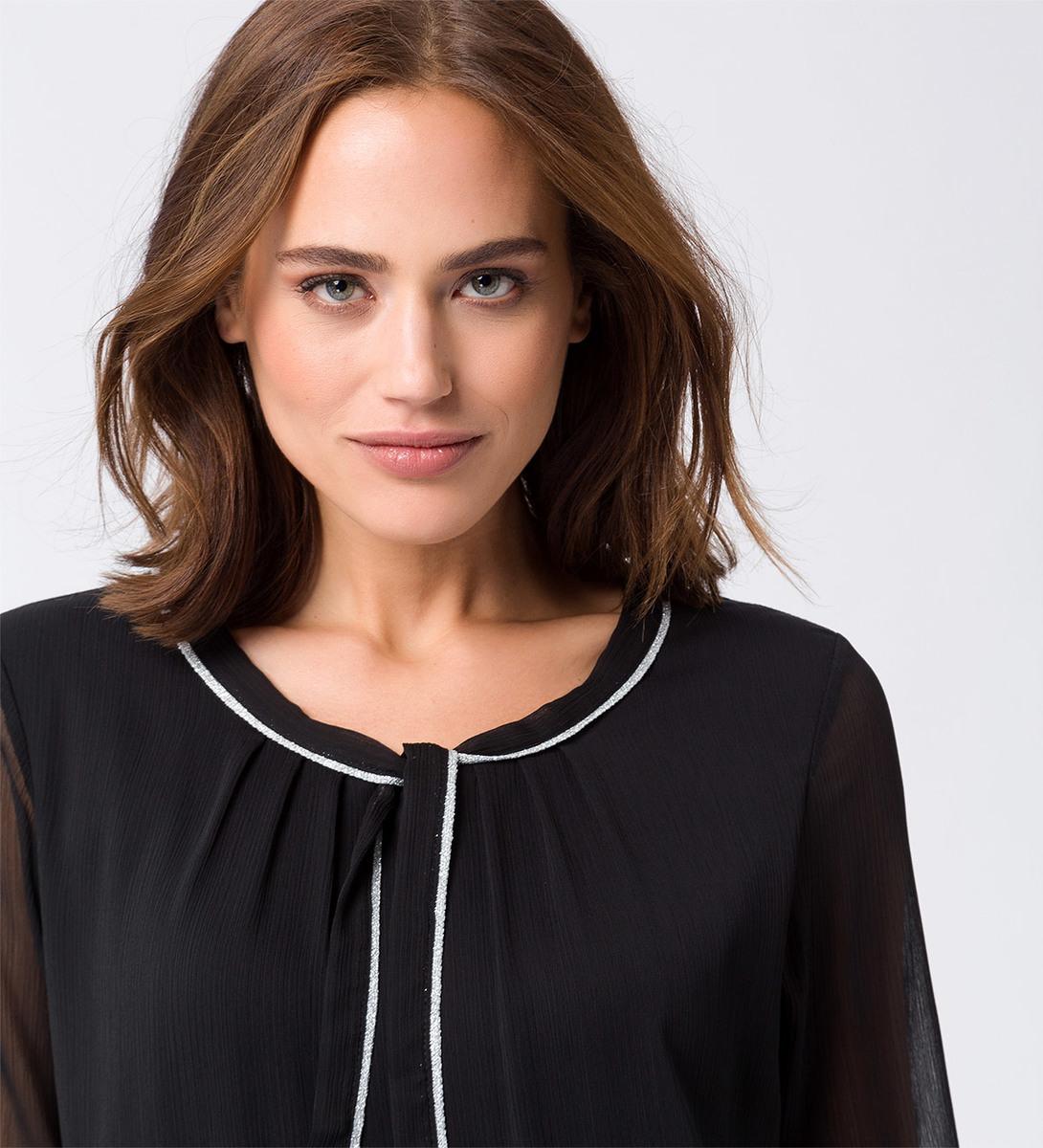 Bluse in weich fließender Qualität in black