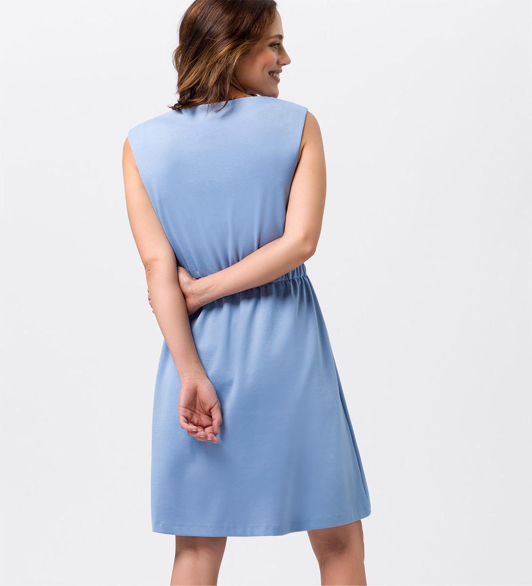 Kleid mit Taillenbund in azur blue