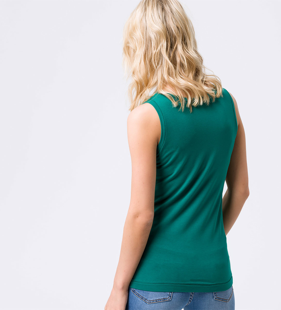 Top mit Ziersteppung in green