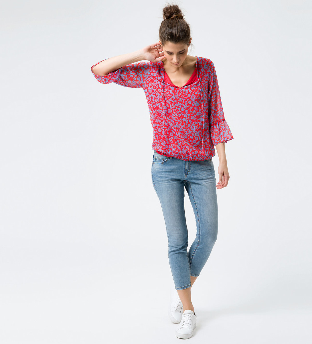 Bluse mit Blumenmuster in hot coral