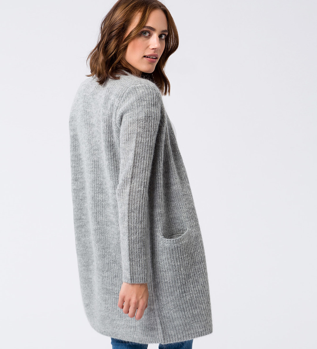 Strickjacke im unifarbenen Design in stone grey