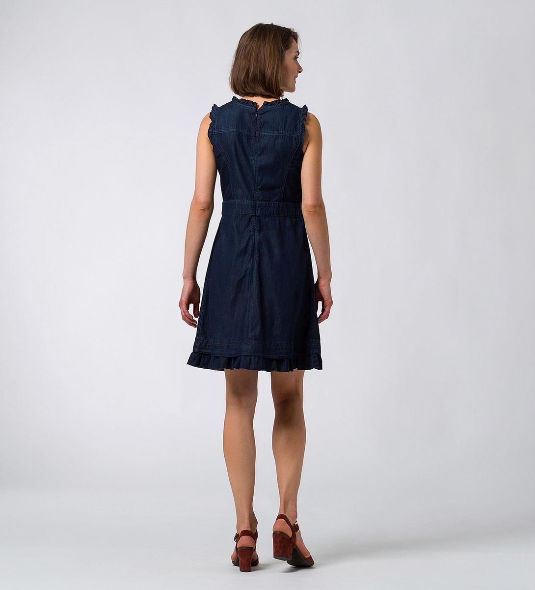 Jeanskleid mit Rüschenkanten in clean cotton wash