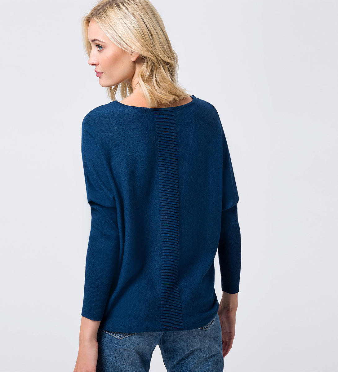 Pullover in Feinstrickqualität in petrol blue