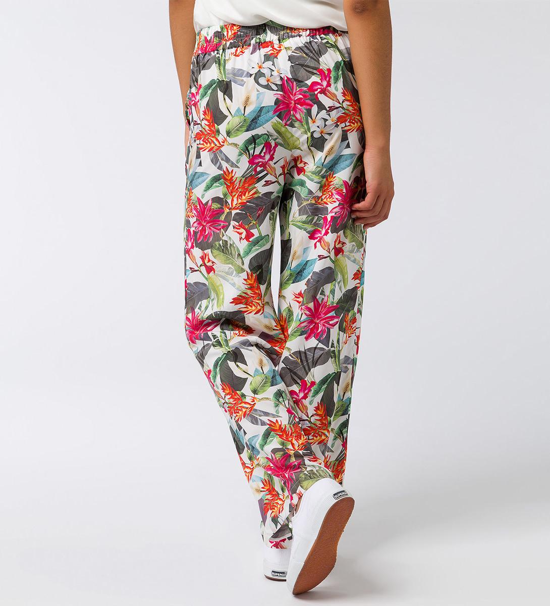 Hose mit Blumenmuster in offwhite