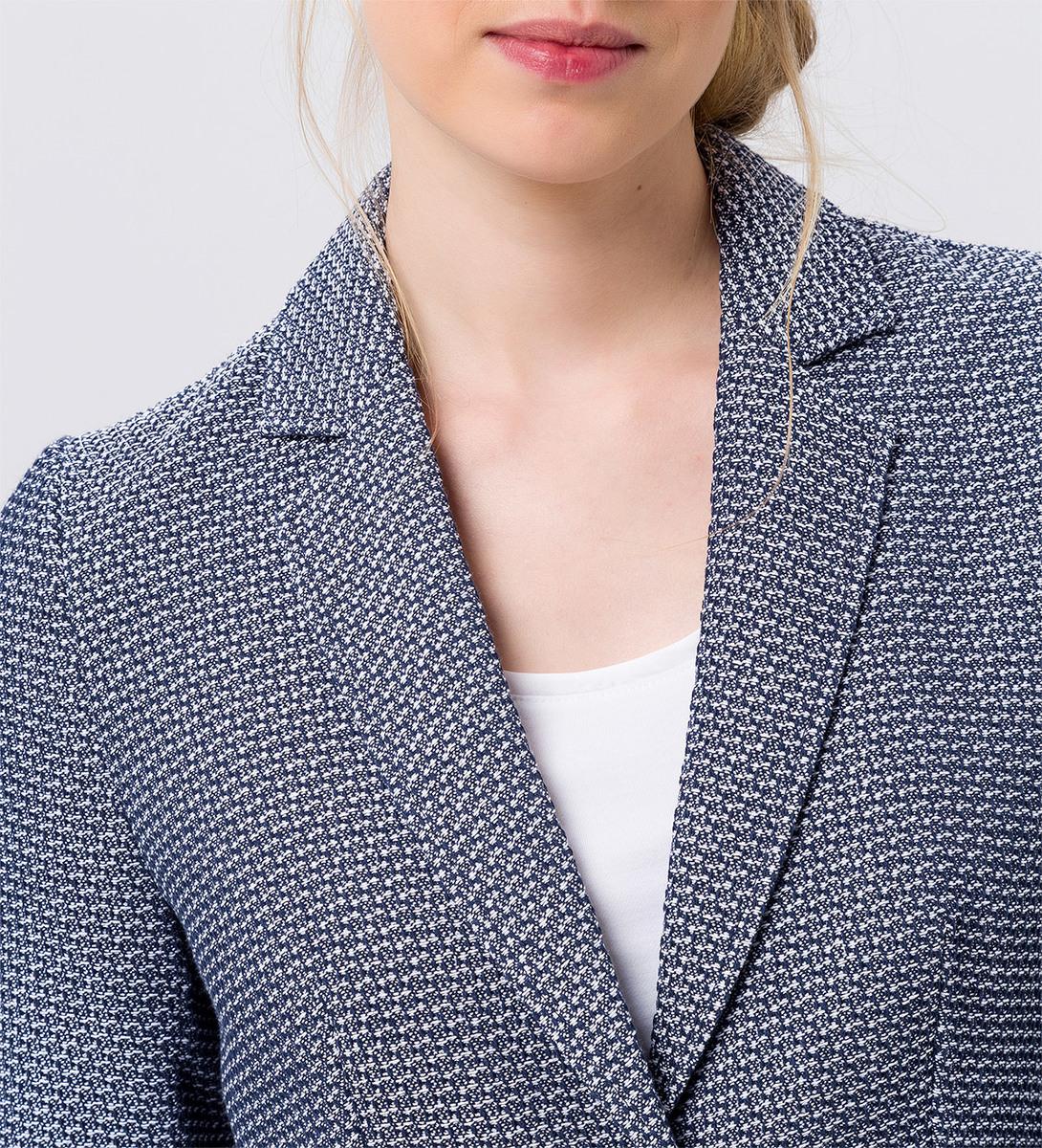 Mantel mit strukturierter Oberfläche in blue black