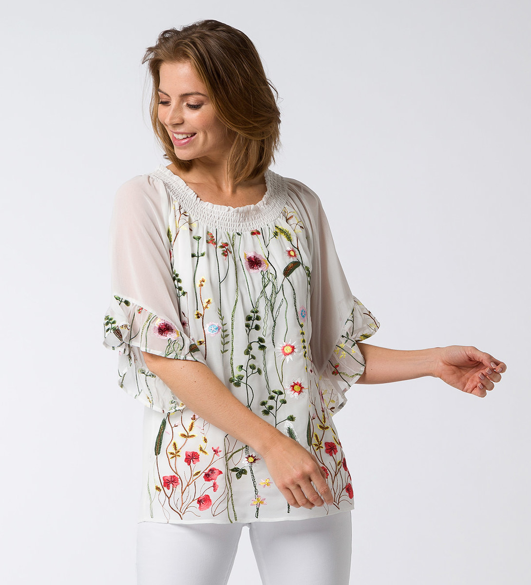 Bluse mit floralen Details in offwhite