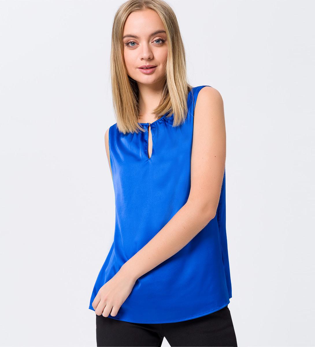 Bluse mit Schlüsselloch-Ausschnitt in cobalt blue