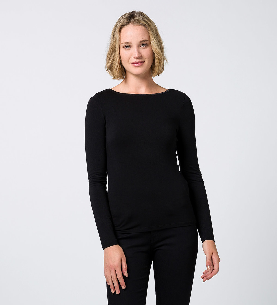 T-Shirt im Basic-Look in black