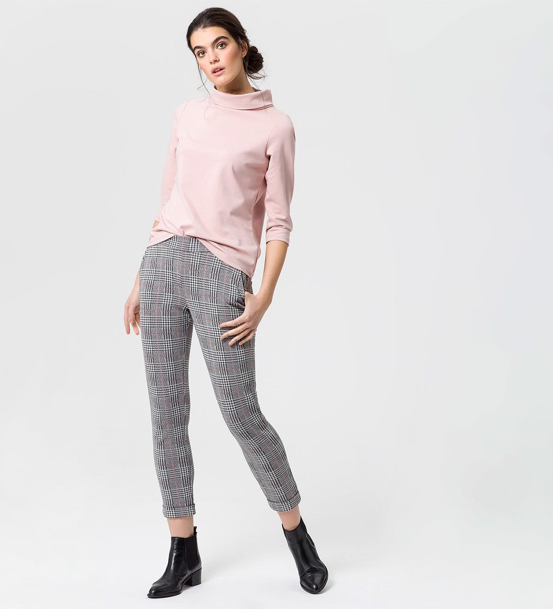 Sweatshirt mit Turtleneck in rose parfait