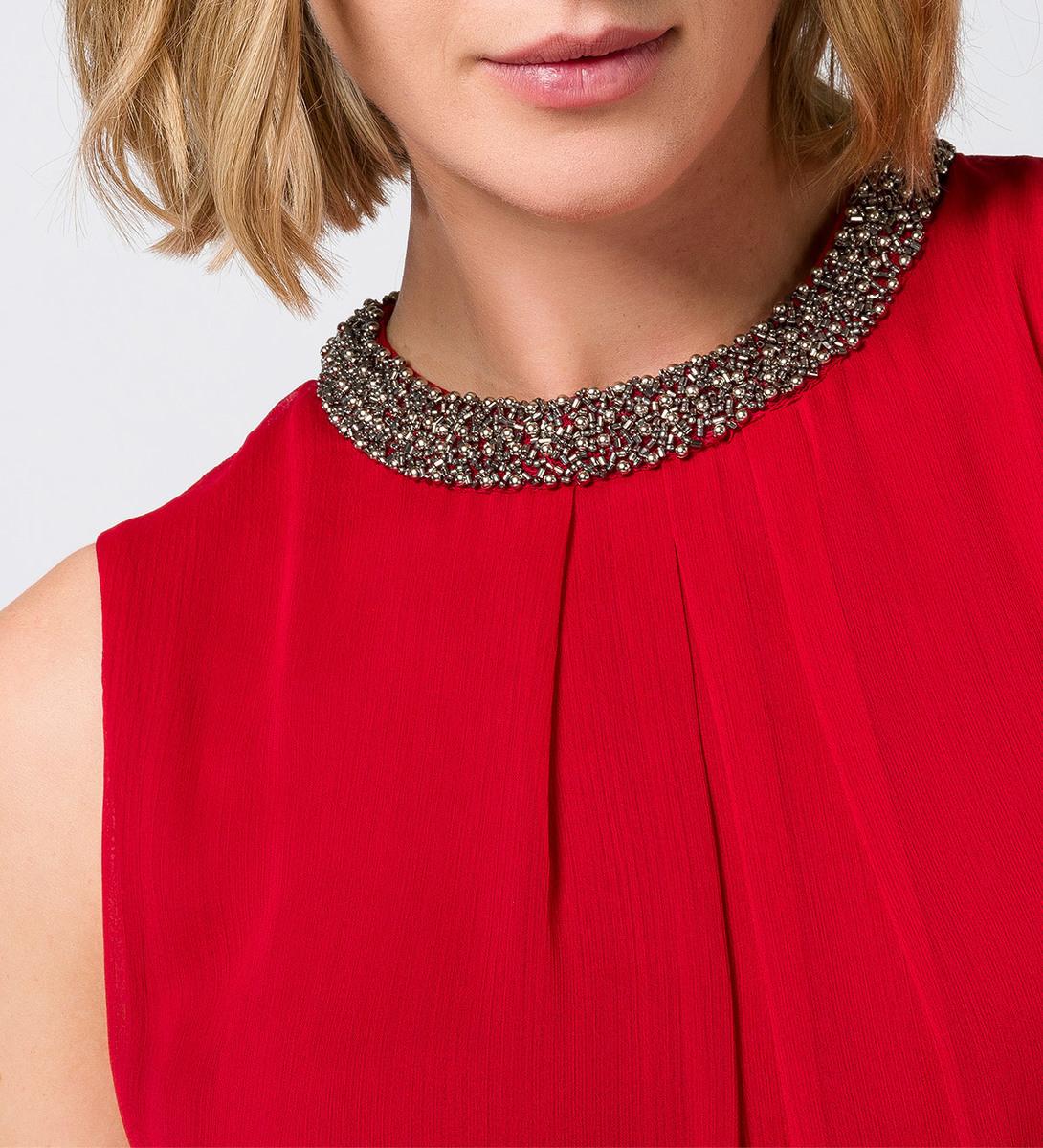 Bluse mit perlenbesticktem Kragen in red flower