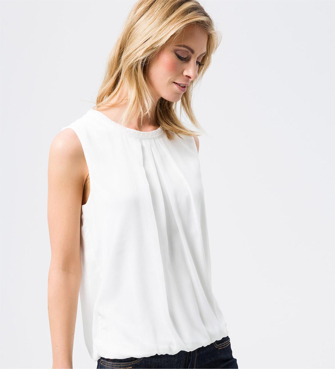 Bluse im ärmellosen Design in offwhite