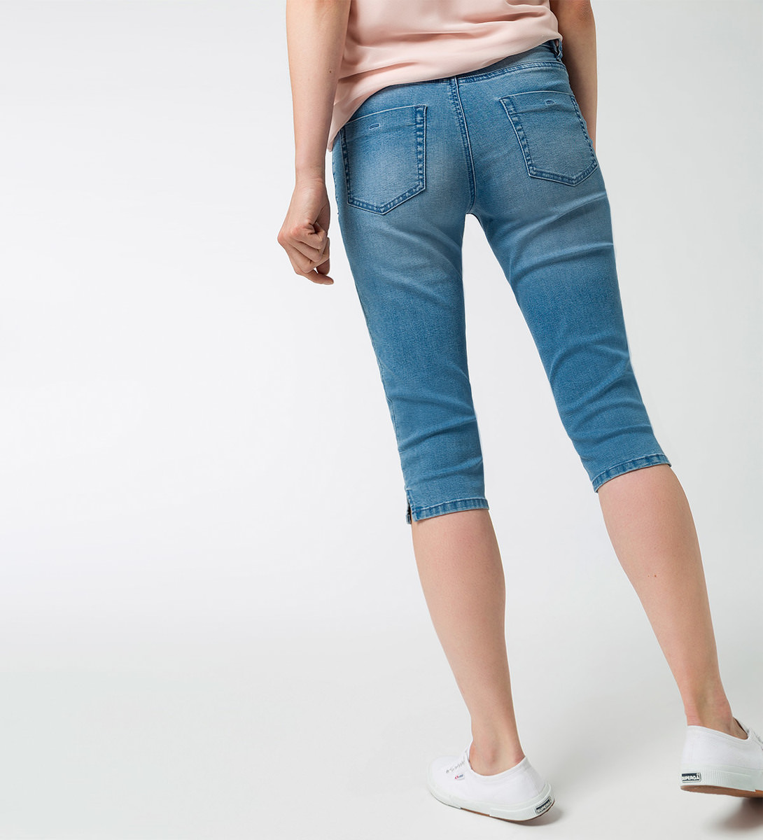 Jeans in 3/4-Länge in light blue washed