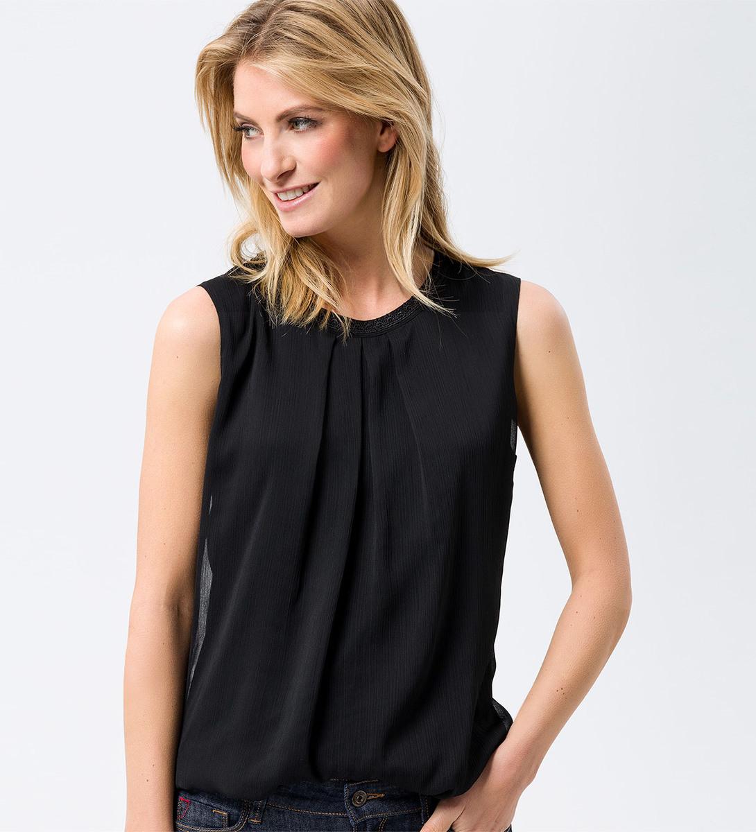 Bluse im ärmellosen Design in black