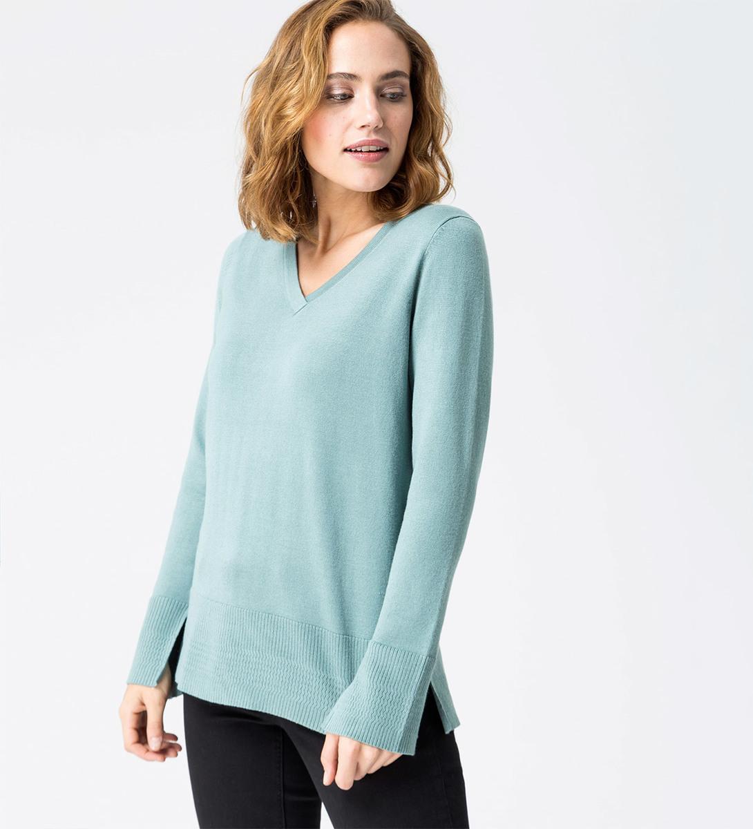 Pullover in feiner Strickqualität in dusk jade