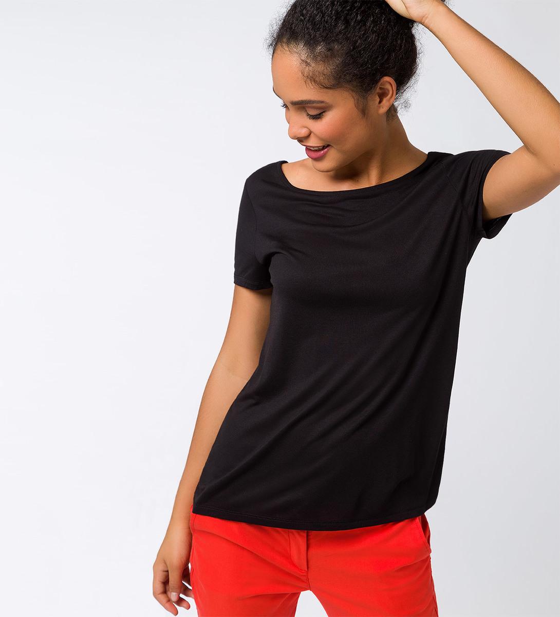 T-Shirt mit verspieltem Detail in black