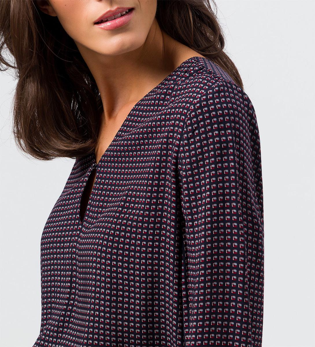 Bluse mit grafischem Muster in blue black