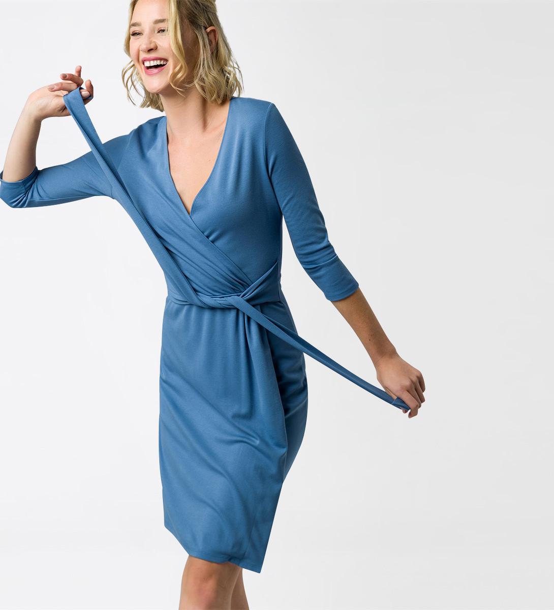 Kleid im Wickel-Look in water blue