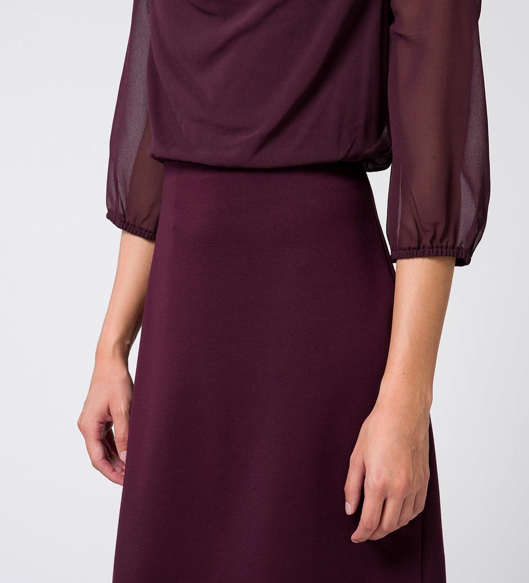 Kleid mit Wasserfallausschnitt in plum